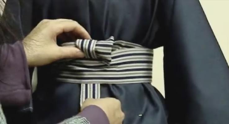 七五三、袴の着せ方を動画解説!自分で出来る着付け方法のツボ!01