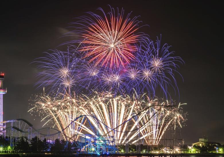 横浜・八景島シーパラダイスクリスマス「花火シンフォニア」サムネイル